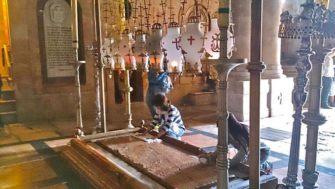 聖墳墓教会でキリスト教に触れる!