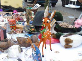 狙い目は70年代小物!ジュネーブ最大の蚤の市でお宝物をゲットせよ