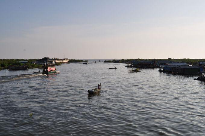 6.トンレサップ湖からの夕日鑑賞とオールドマーケット散策ツアー