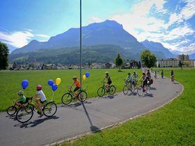 スイスを自転車でまわる!家族で楽しめるイベント「スローアップ」に参加してみよう
