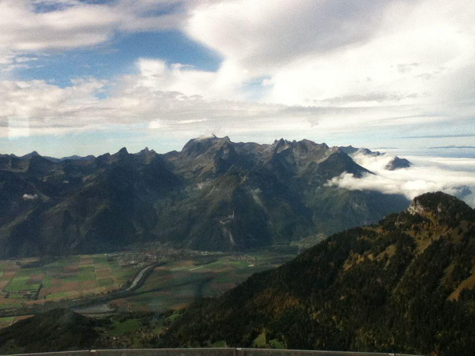 レザンを囲む山々