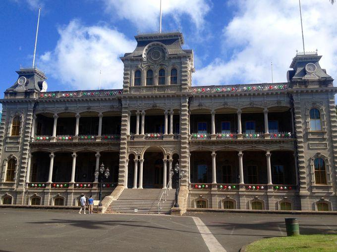 ハワイ王朝の面影を残す「イオラニパレス」