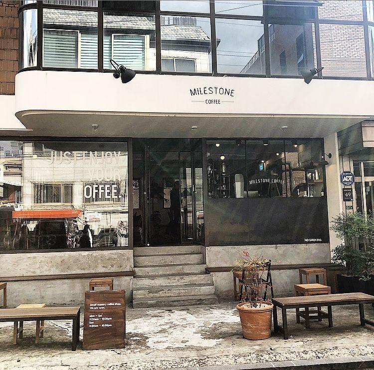 カロスキルの外れにある隠れ家的カフェ