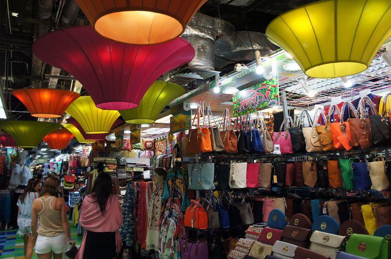 安い!楽しい!バンコク巨大ショッピングモール「MBK」
