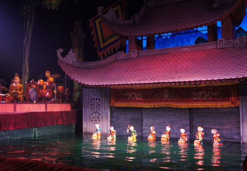 ハノイに来たら必見!千年の歴史を誇る「水上人形劇」