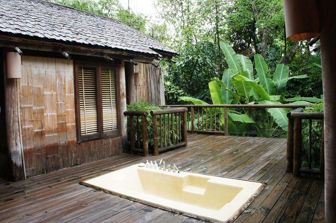 バンコクから専用セスナで!熱帯雨林に包まれた非日常空間