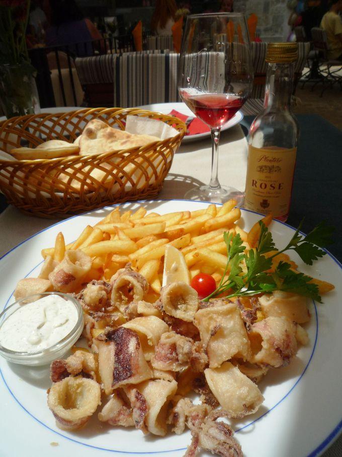 アドリア海の幸に恵まれたコトル料理を満喫!