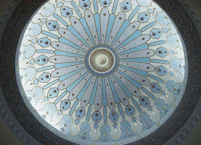館内の造りも美しいイスラム仕様