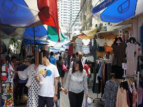 平日昼間のオフィス街に出現!バンコク「OL市場」でグルメ&ショッピング