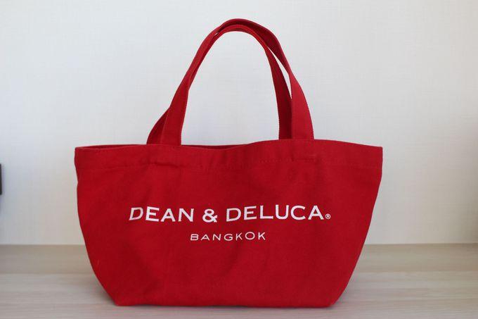 説明不要の人気ブランド「DEAN & DELUCA」のトートバッグ