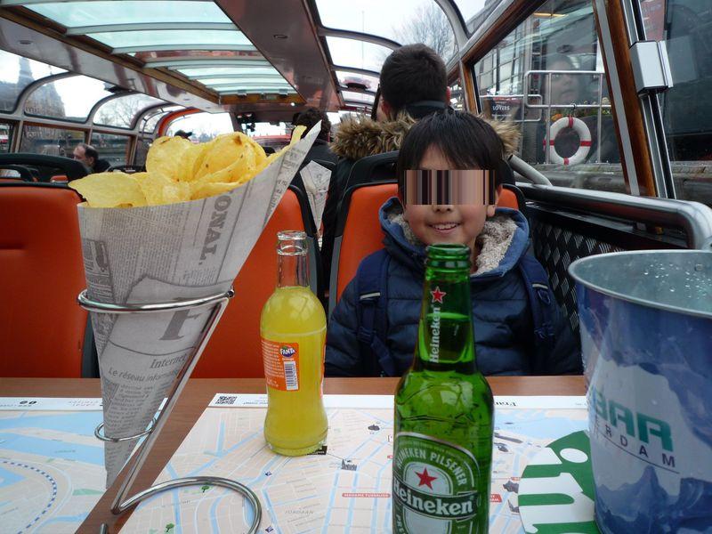 ドリンク&チップス片手に運河からの眺めを堪能