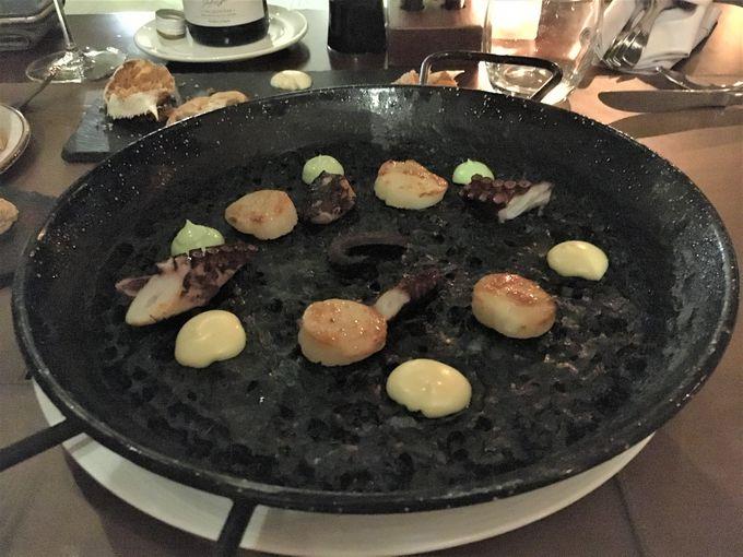 レストラン&バーは4カ所!おすすめはスペイン料理