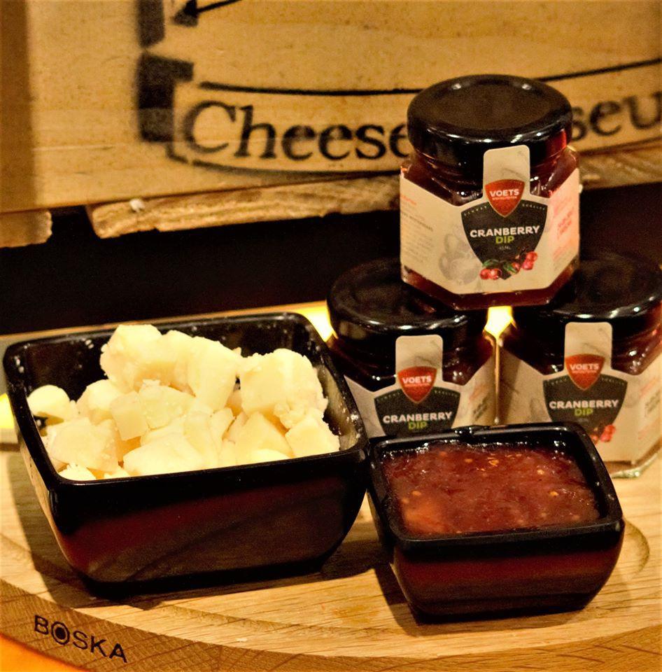 お土産に◎チーズスライサー&ジャムやディップソースもおすすめ