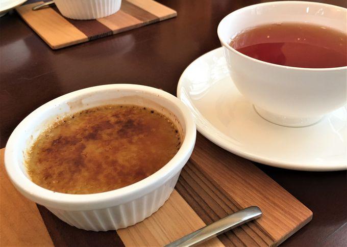 古民家カフェで香り高いお茶とお茶スイーツに舌鼓