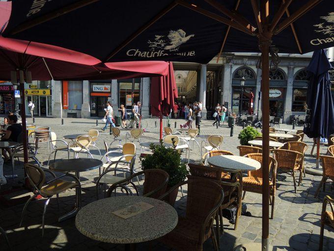 ブリュッセル中央駅から徒歩3分で到着!!アクセスのよい「ギャルリー・サンテュベール」