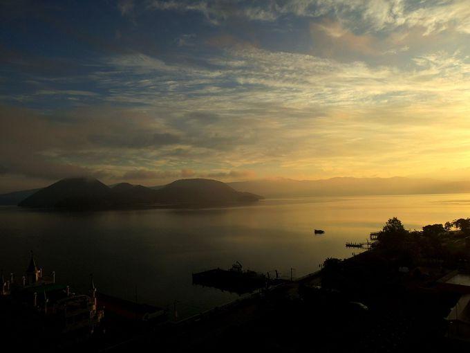 部屋の窓からパワースポット洞爺湖の景色を満喫!
