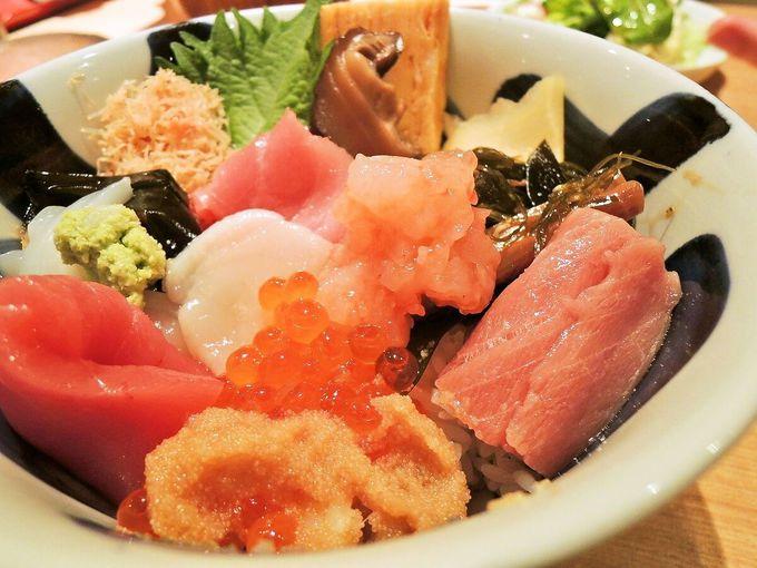 いい仕事しています!贅沢な海鮮を吹寄せた「海鮮丼」 〜鮨 やしろ〜