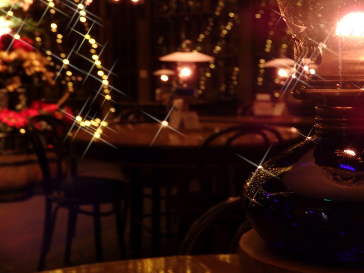 ブラタモリにも登場!小樽「北一ホール」はハリーポッターの世界!?魔法のランプが灯る美空間