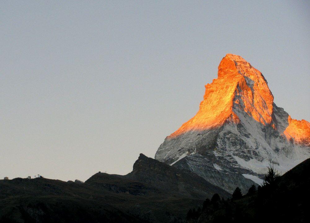マッターホルンの朝焼けと氷河の絶景!スイス「ゴルナーグラード展望台」へ!