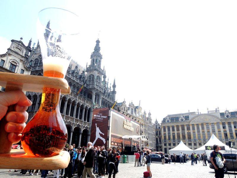 世界遺産にビールで乾杯!ベルギー・グランプラス「世界で最も美しい広場」は一日中美しい!