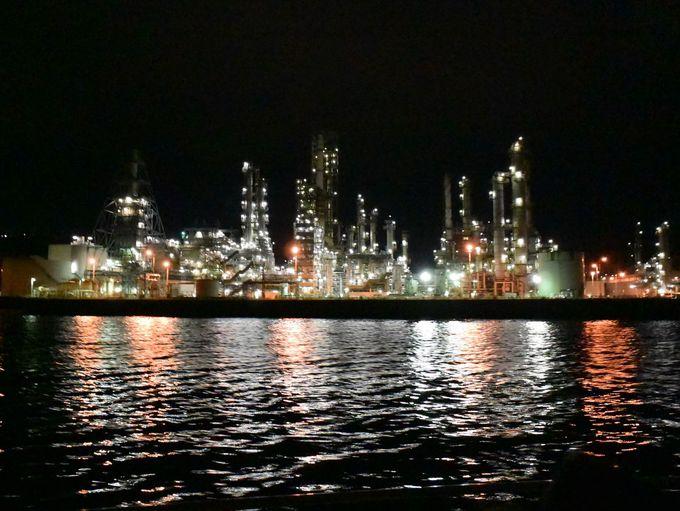 大迫力の工場夜景!「室蘭港の夜景」は必見