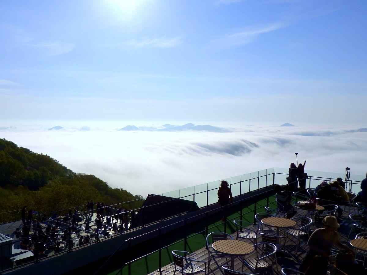 ここは北海道の天空カフェ!標高1,088mのカフェテラス