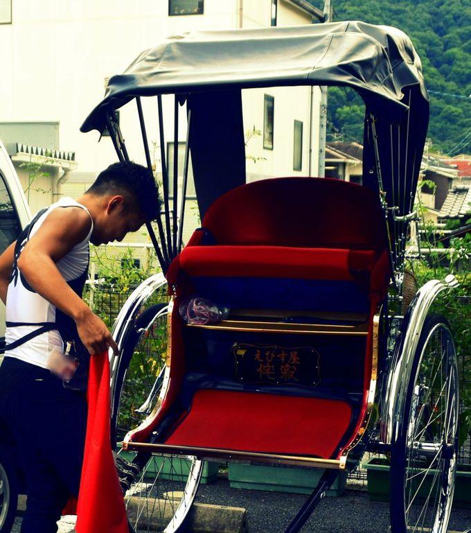 京都・嵐山で乗る「人力車」の料金は。高い?それとも安い?