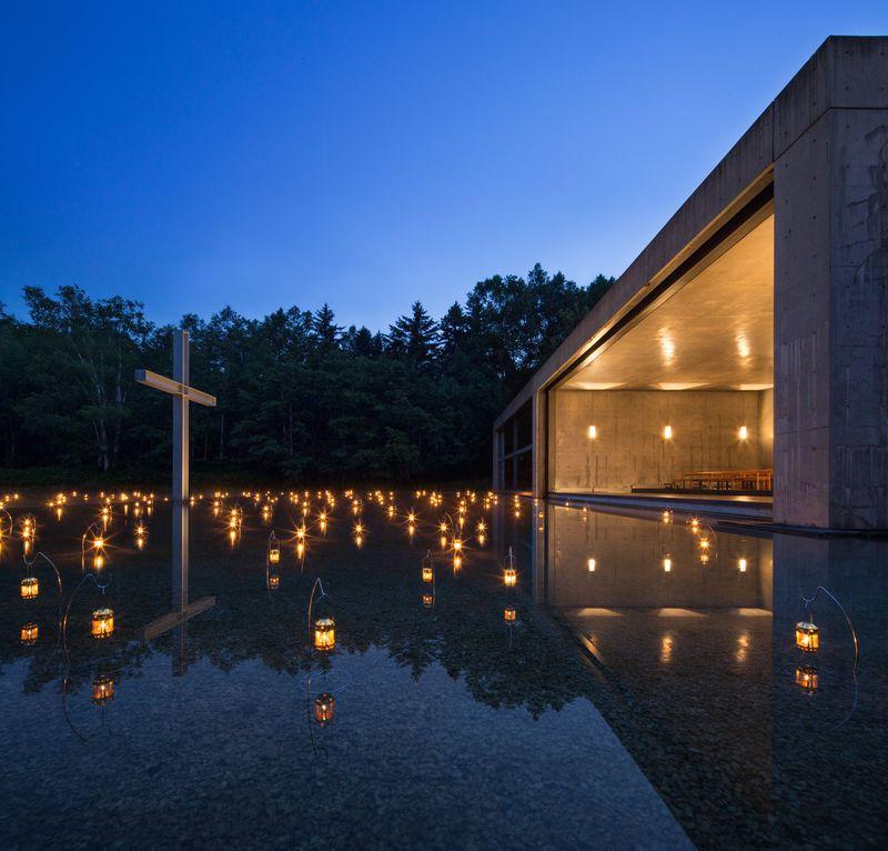 美しすぎる教会に溜息!星野リゾート トマム「水の教会」圧倒的な美空間