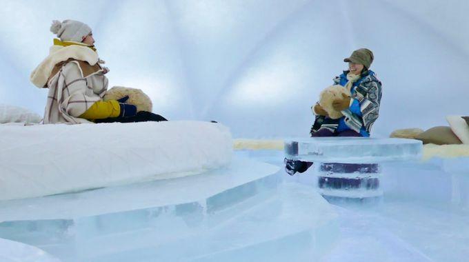 「氷のホテル」や「氷の雑貨屋」も要チェック
