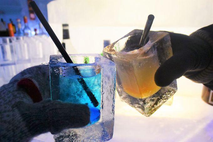 氷の本格バー「バーアイスウッド」で氷のカクテルを
