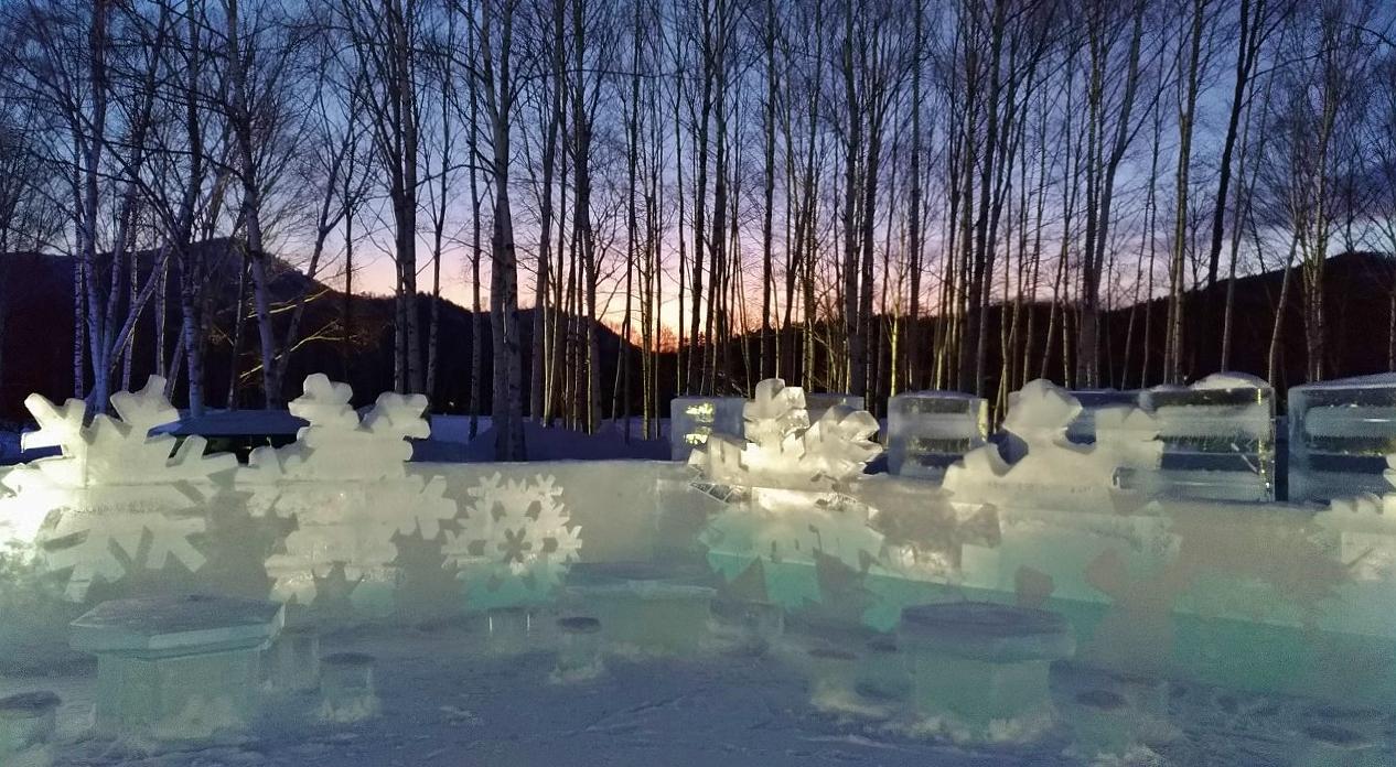 翌朝まで氷の空間で滞在を楽しめる