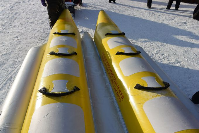 スリル満点!「スノーラフティング」と「バナナボート」はどう違う?