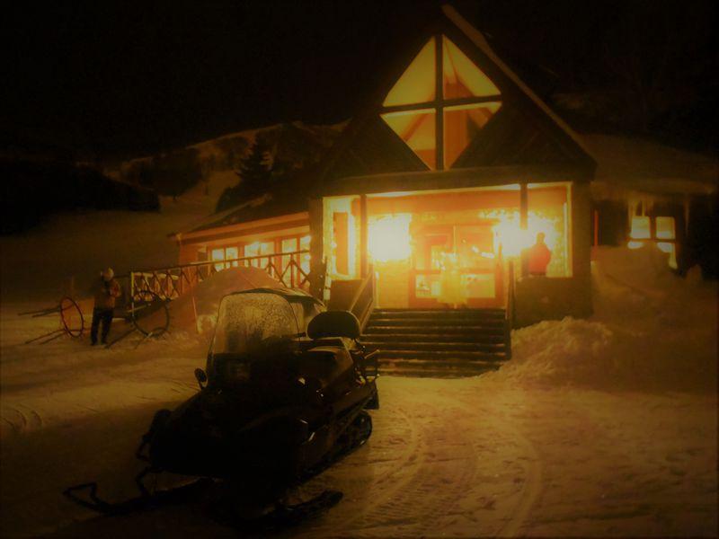 車では行けないレストラン!星野リゾート トマム「ナイトスノークルージング」ディナー