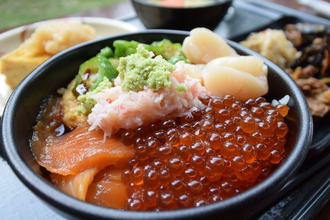 「森のレストラン ニニヌプリ」は朝から海鮮盛り放題!