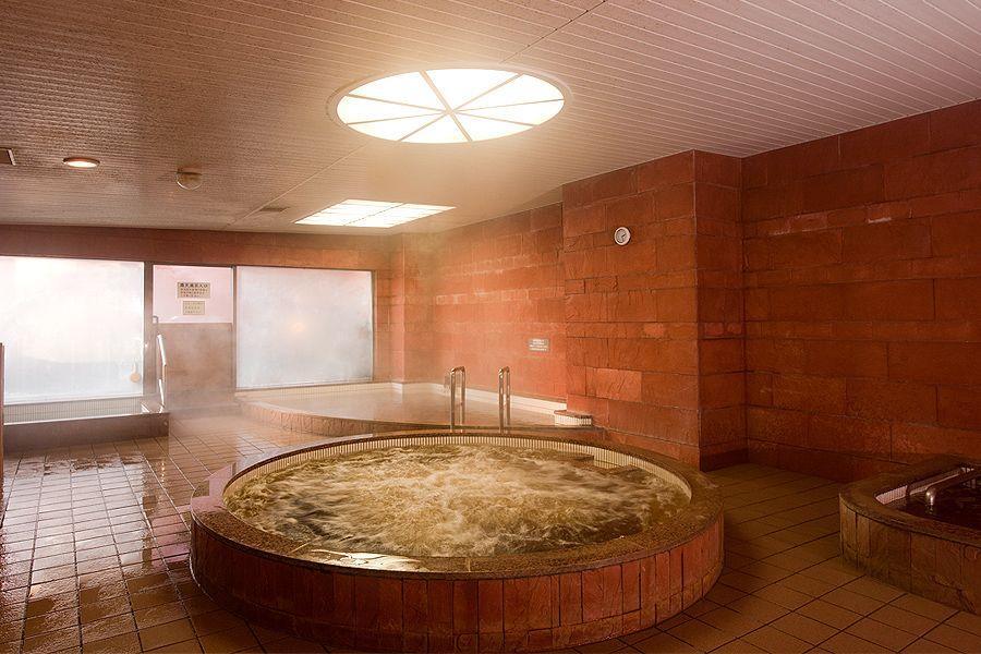 ホテルなのに充実の温泉設備。北海道遺産の「モール温泉」
