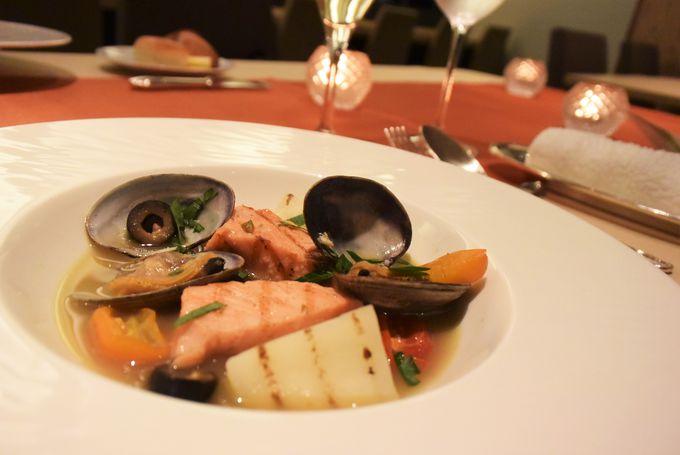 鮭の魅力を味わう「鮭ディナー」は前菜からデザートまで全て「鮭」