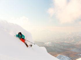 冬だ!スキーだ!星野リゾート 猫魔スキー場が人を「雪バカ」にする…!