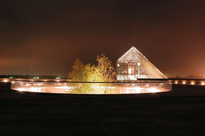 """フォトジェニックなガラスのピラミッド""""HIDAMARI"""""""