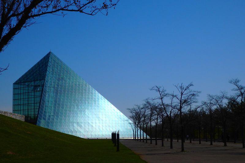 札幌・モエレ沼公園にはピラミッドも!アクセス・遊具・公園内基本ガイド