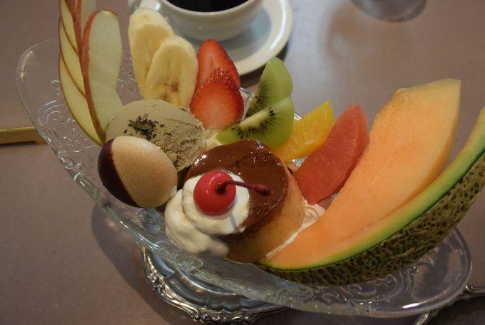 和洋折衷喫茶「ナガヤマレスト」でパフェやプリンアラモードを