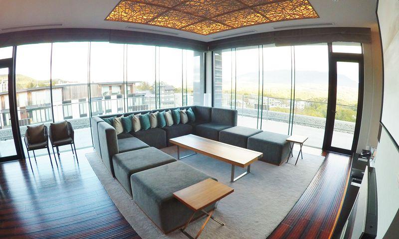 「綾ニセコ」でホテルと別荘のいいとこどり!冬のリゾート・ニセコが素敵