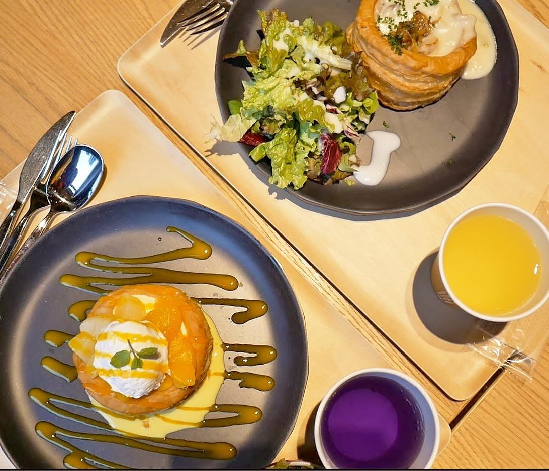 便利な立地と「OMOカフェ」、OMOのレストランに注目
