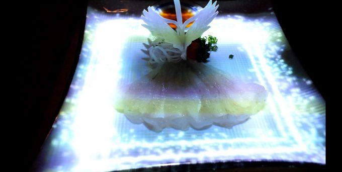テーマは「鶴の恩返し」〜童話の世界をディナーで愉しむ