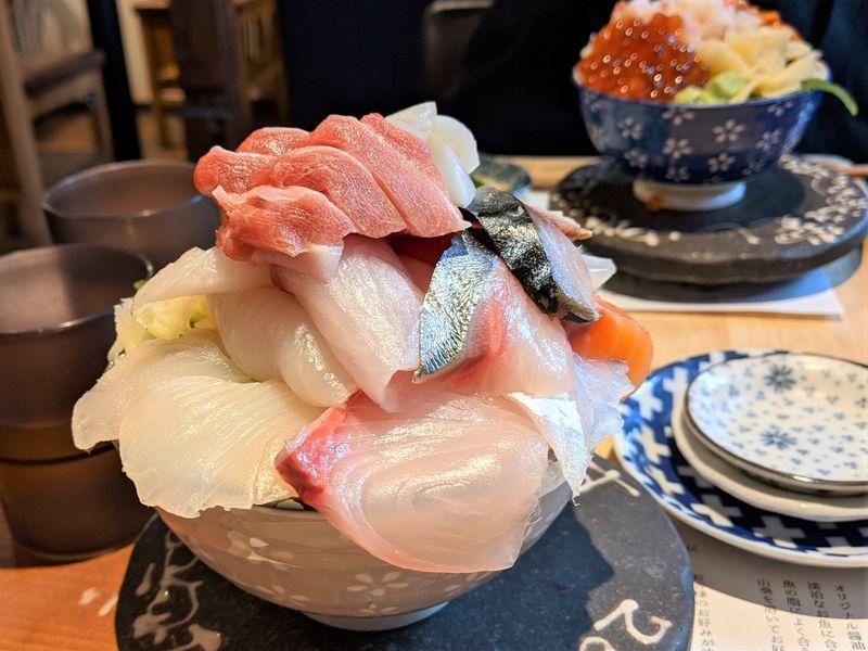 「シハチ鮮魚店」の海鮮丼が話題!今食べたい札幌海鮮グルメ