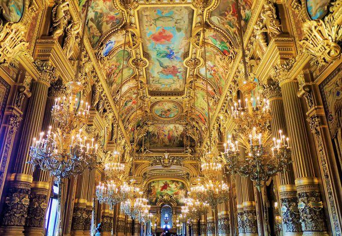 ベルサイユ宮殿!?グラン・フォワイエの煌びやかさが凄い