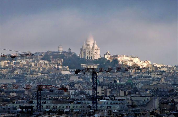 パリの絶景と「ノートルダムの鐘」が待つ塔の上!