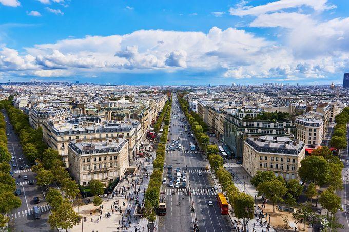 階段制覇のご褒美!パリの造形美に感動