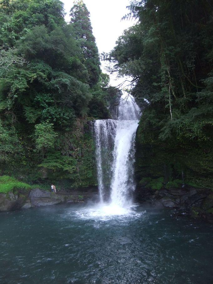 上下2段の慈恩の滝で、パワーを頂く!