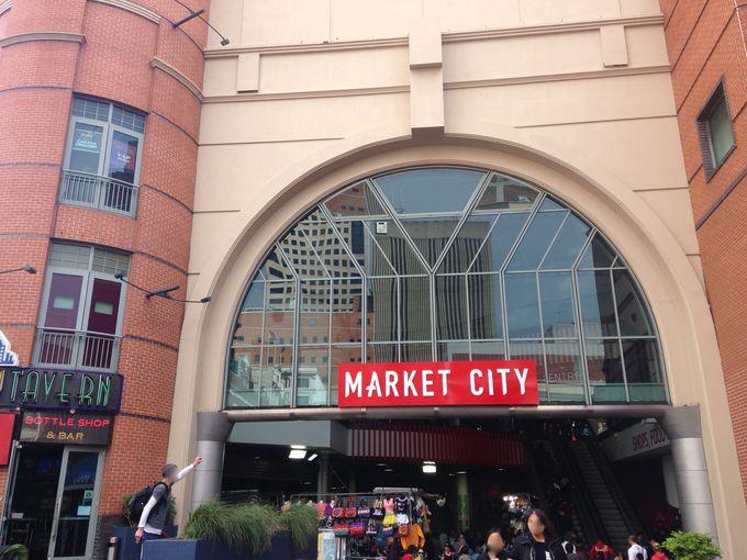 アジアの屋台のような「パディス・マーケット」