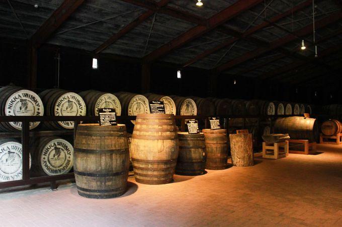 キルン塔から貯蔵庫まで!ロマンあるウイスキー製造工程に触れる